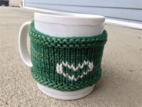 mug cosy knitting pattern how to knit a mug cozy easy to follow tutorial