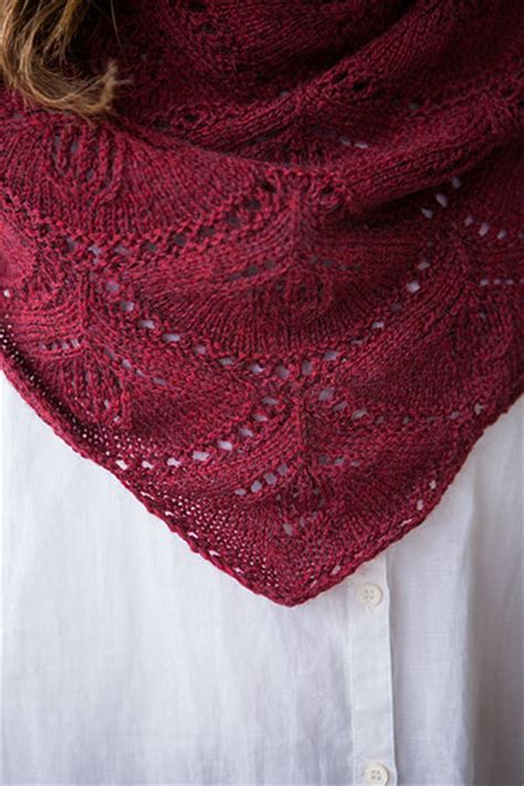 crescent shawl knitting pattern fuchsia crescent shawl knitting patterns and crochet