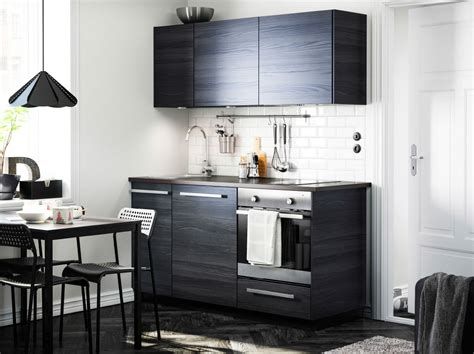 Modern Countertops moderni tummas 228 vyinen keitti 246 jossa tingsryd ovet