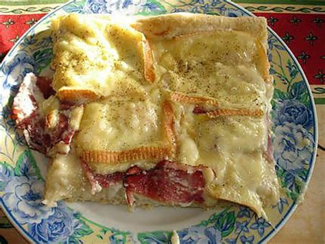 recette de pizza cr 232 me fraiche jambon cru et maroilles