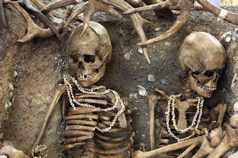 file burial img 1861 jpg wikimedia commons