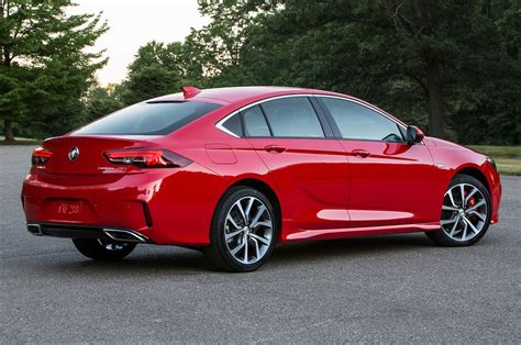 2018 Buick Regal Gs by 2018 Buick Regal Gs Look A V 6 Powers The Sporty