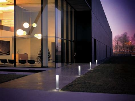 modern outdoor lighting get 25 sorts of possibilities with modern outdoor lights