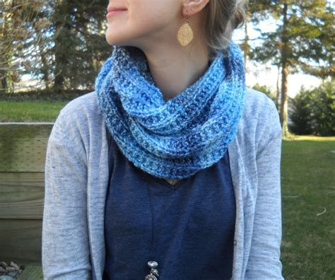 how to knit an infinity scarf with needles wiseknits blues infinity scarf free pattern