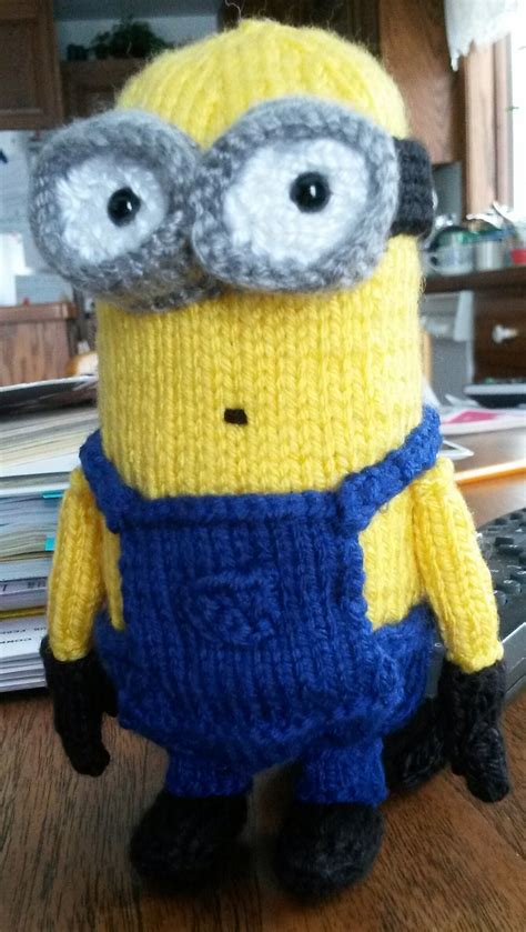 how to knit minions minions and despicable me knitting patterns in the loop
