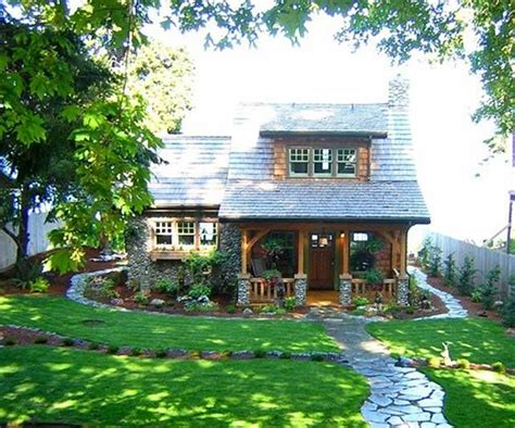 pictures of country homes interiors best 25 small cottage homes ideas on small