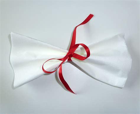 pliage serviette papier noeud papillon sedgu