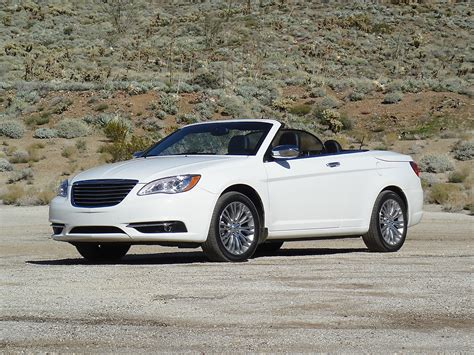 Chrysler Convertibles by Chrysler 200 Convertible 2013 Dise 241 O Rendimiento Y