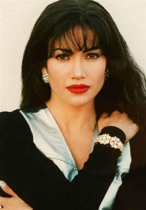 mexican singers selena mexican singer quotes quotesgram