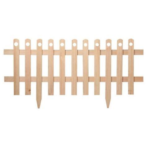 decorar jardines con rejas reja de madera peque 241 a para jardin piscina huerto