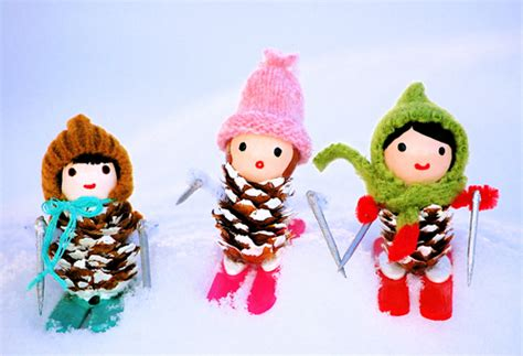 pine cone crafts to sell pinecone decorations skiing