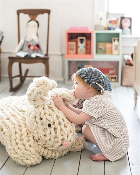 how to knit without needles arm knit bunny by weil of flax twine