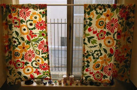 vintage style kitchen curtains vintage button kitchen curtains allfreesewing