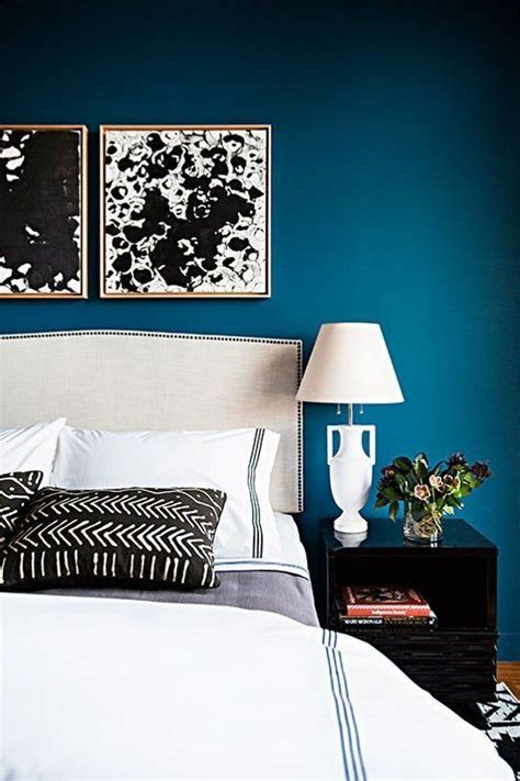 bedroom with blue walls best 25 peacock blue bedroom ideas on blue