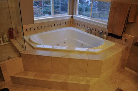 Spa Tubs For Small Bathrooms by How To Renovate A Bathroom With Bathtub