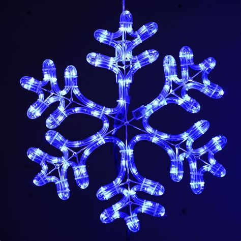 light snowflakes creating the right atmosphere with amazing snowflake
