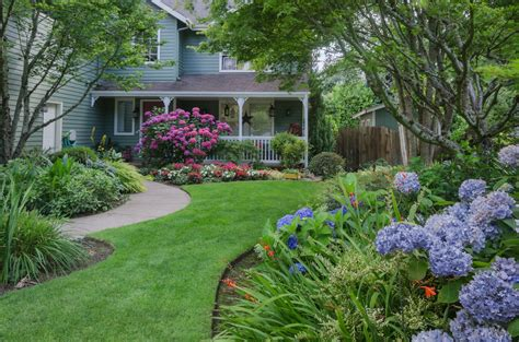flower garden landscaping ideas 6 flower landscaping ideas for your front yard