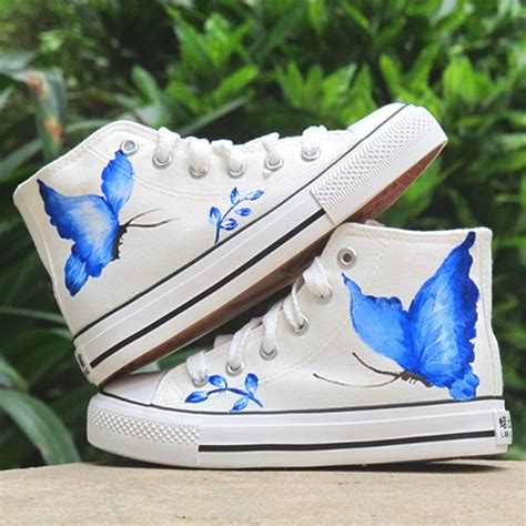 acrylic paint on canvas shoe diy shoes ideas painted sneakers with black kitten