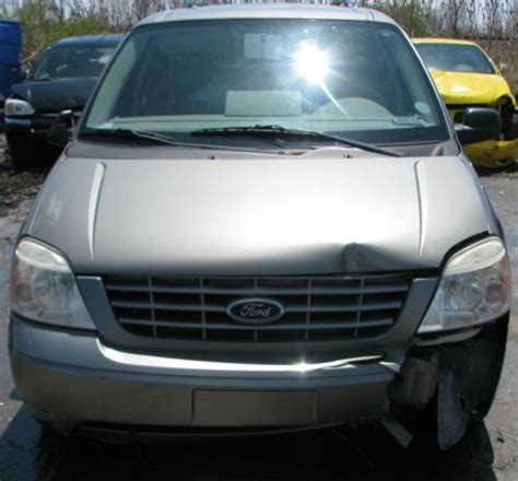 2004 Ford Windstar by Buy Used 2004 Ford Windstar Se 3 9l V6 Auto Trans Fwd