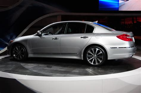 Hyundai Genesis R Spec Sedan looks like a car 2012 hyundai genesis r spec sedan