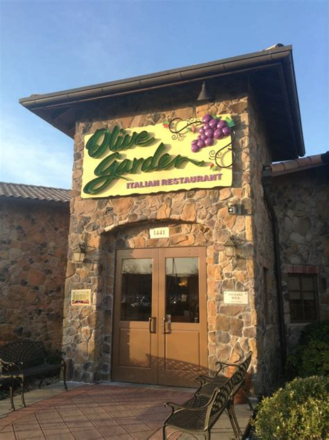 what you never knew about the olive garden tiphero