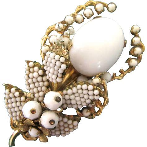 bead stores eugene oregon vintage eugene white bead flower brooch from