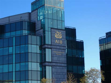 bancos que abren por la tarde hablando sobre los bancos en irlanda