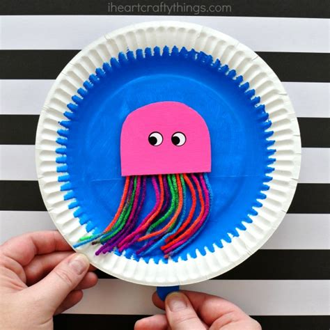 paper plate octopus craft paper plate swimming jellyfish craft i crafty things