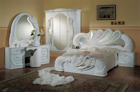 classic bedroom set classic lacquer bedroom set with consumer reviews home