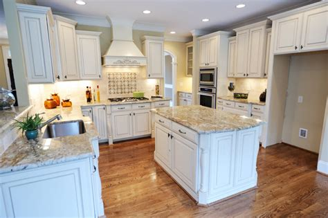 32 spectacular white kitchens with honey and light wood