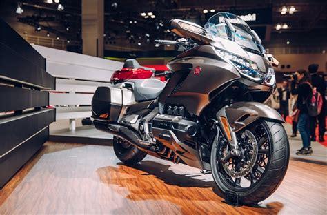 Pcx 2018 Light Gold by 2018 Honda Goldwing Vs Tour Model Lineup Comparison