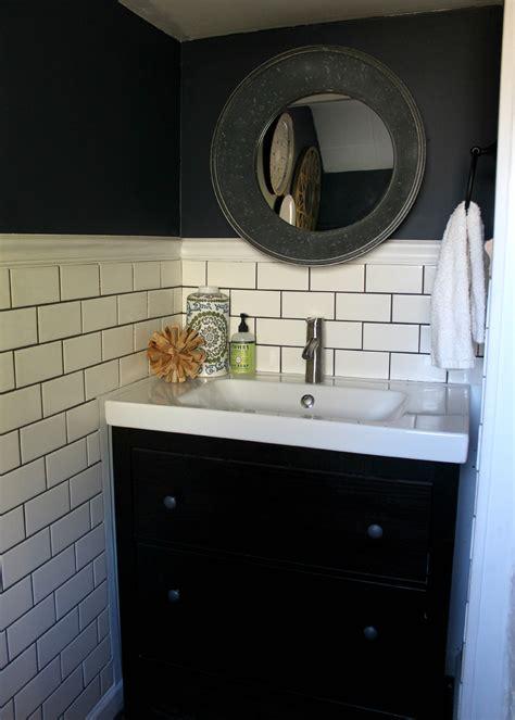Makeover Small Bathroom by Small Bathroom Makeover Christinas Adventures