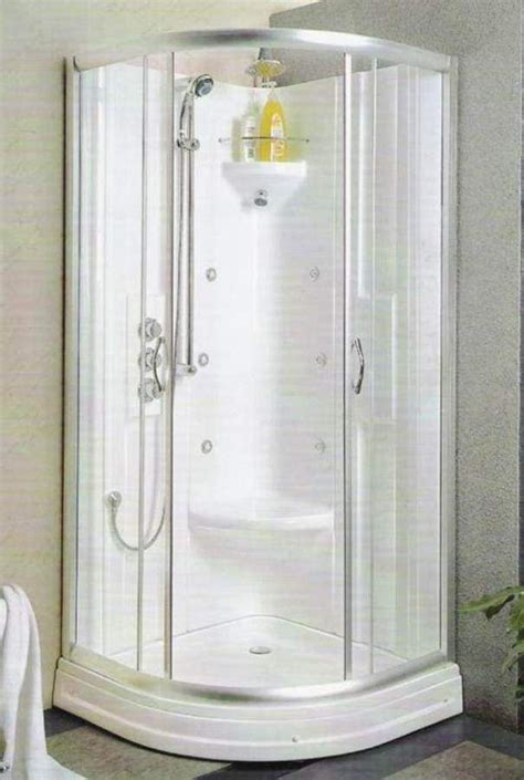 small showers 25 best ideas about small shower stalls on