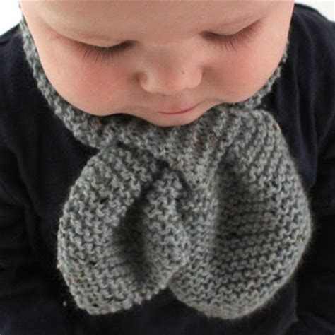 how to knit a baby scarf for beginners best 25 baby scarf ideas on diy baby bib