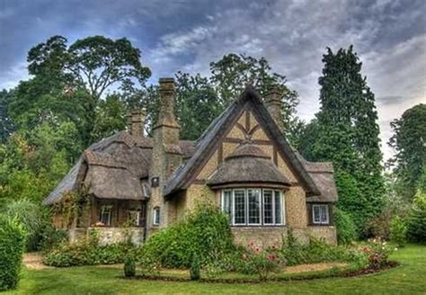 cottage house pictures 40 beautiful thatch roof cottage house designs