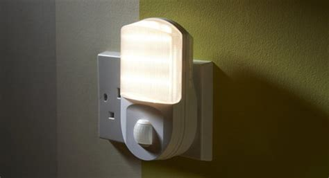 mains lights the best in light motion sensors