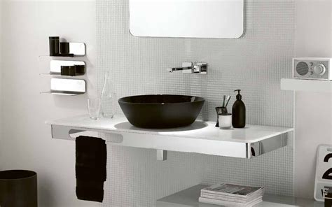 Black And White Themed Bathroom by Black And White Theme For Minimalist Bathroom Ideas