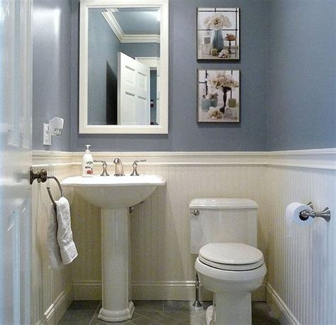 small half bathroom designs 25 best ideas about small half bathrooms on