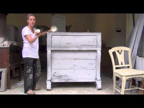 chalk paint tutorial sloan blue egg brown nest sloan chalk paint tutorial 3