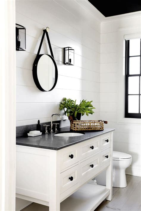 white and black bathroom ideas best 25 black white bathrooms ideas on black