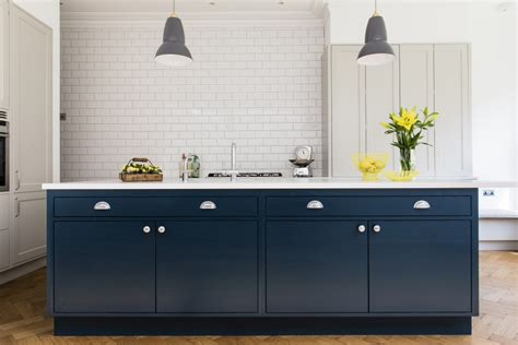 frillen with hague blue island sola kitchens sola kitchens