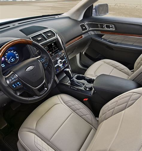 Ford Explorer Interior by 2017 Ford 174 Explorer Suv Features Ford