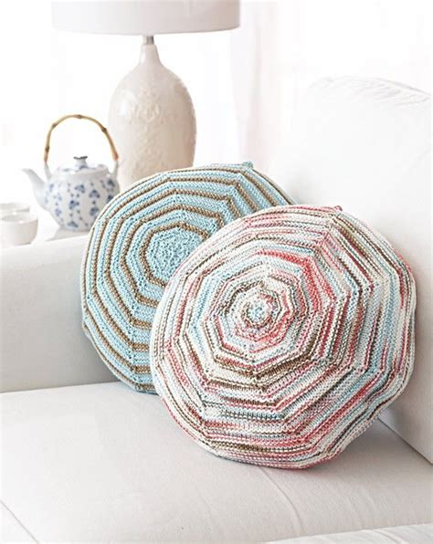 free knitting patterns with cotton yarn follow this free knit pattern to create these pillows