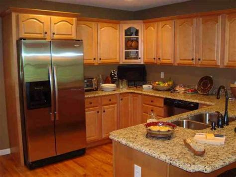paint colors kitchen honey oak cabinets 1000 ideas about honey oak cabinets on