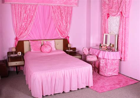 ideas of stylish pink bedrooms for