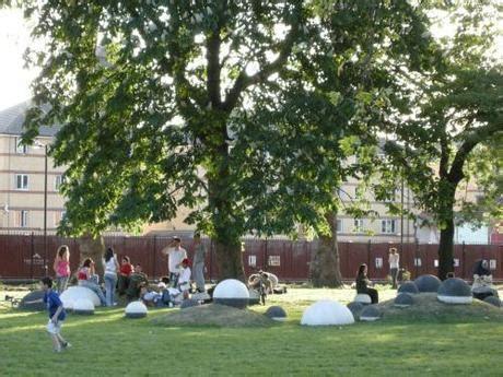 castle rubber st st s churchyard elephant castle park and