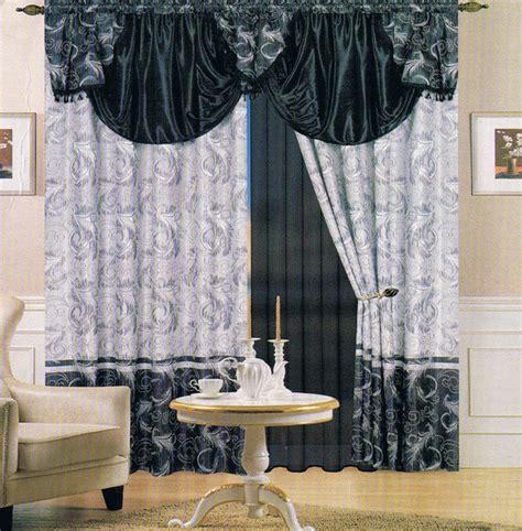 rideaux modernes salon donnez un c 244 t 233 cocon 224 la pi 232 ce d 233 cor salon marocain