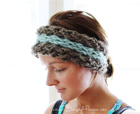 finger knit headband diy 15 minute finger knit ear warmer simplymaggie