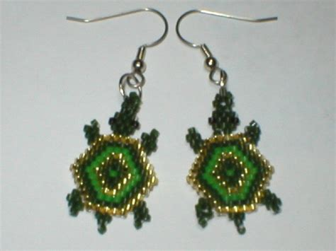 beaded turtle earrings 76 best images about beading earrings animals on