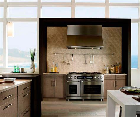 white oak kitchen cabinets light grey kitchen cabinets in white oak kitchen craft